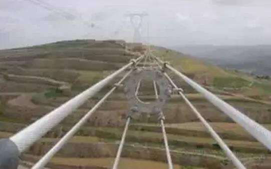 怎么判断电力铁塔上的电压?